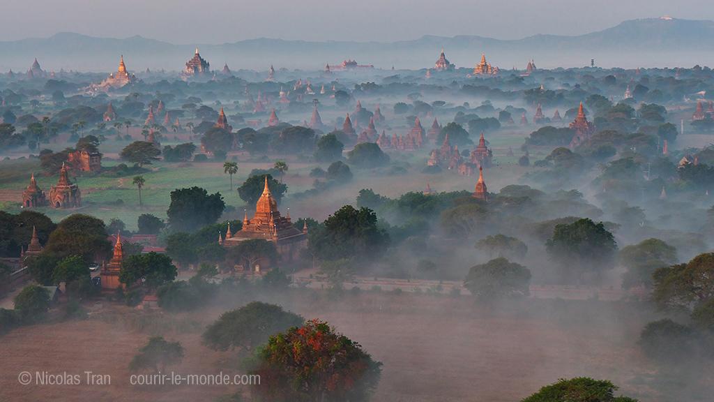Bagan au petit matin, Birmanie