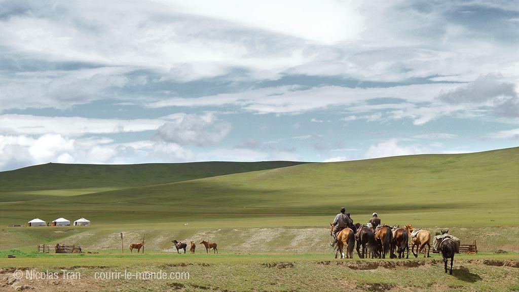 Cavaliers mongols, parc national de Terelj