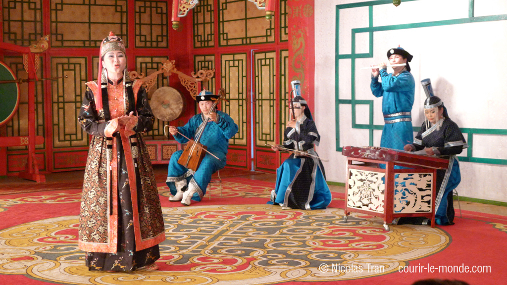 Spectacle de chants traditionnels mongols