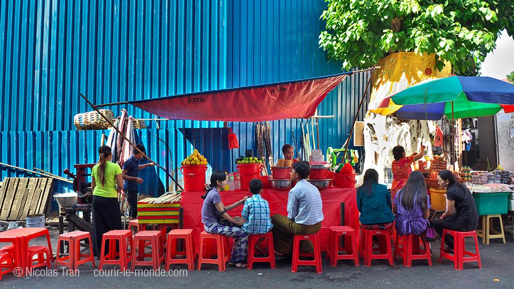 Yangon, restaurant de rue, Birmanie